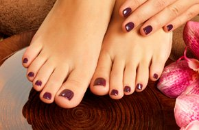 Deluxe Gel Manicure & Pedicure
